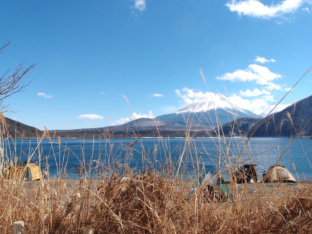 本栖湖からみた富士山