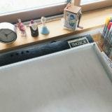 絵を描くときの机の上